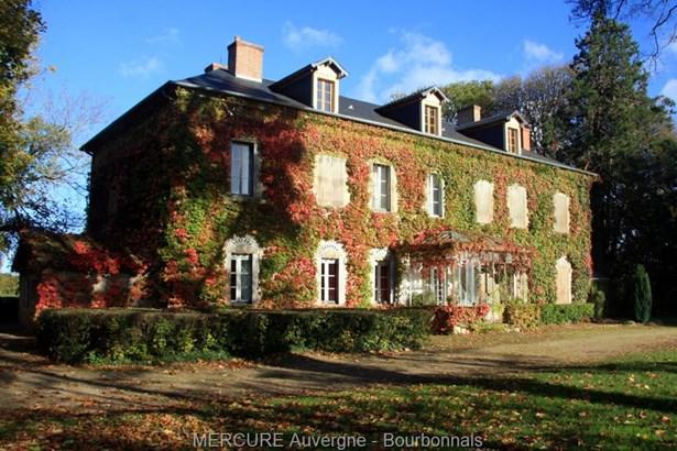 Bourbon L'archambault - FRA (photo 4)