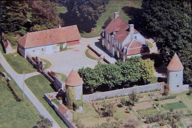 Lons-le-saunier - FRA (photo 1)