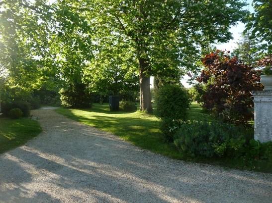 Mortagne-sur-gironde - FRA (photo 4)
