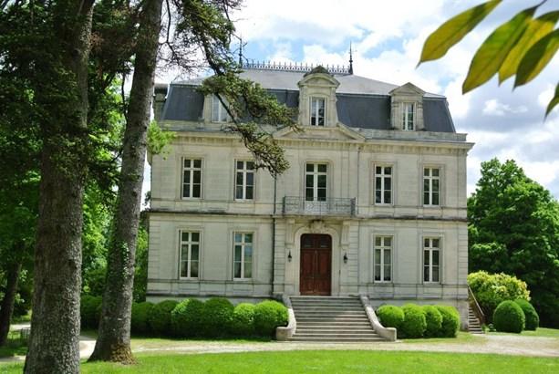 Cognac - FRA (photo 3)