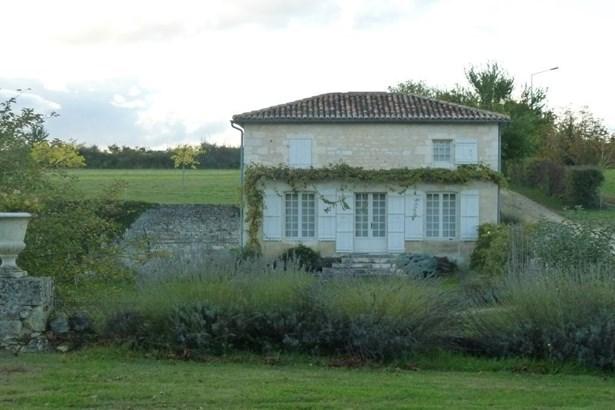 Saintes - FRA (photo 5)