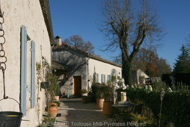 Laroque Timbaut - FRA (photo 2)