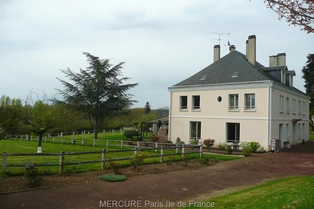 Cergy - FRA (photo 2)