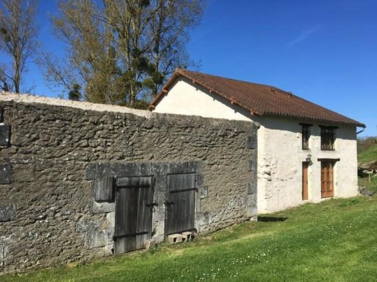Bonneuil-matours - FRA (photo 2)