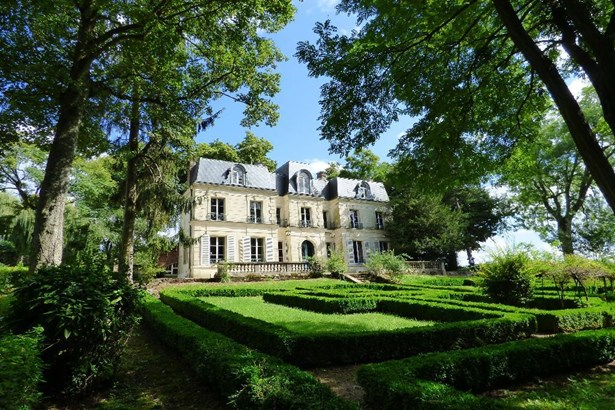 Chateau Thierry - FRA (photo 2)