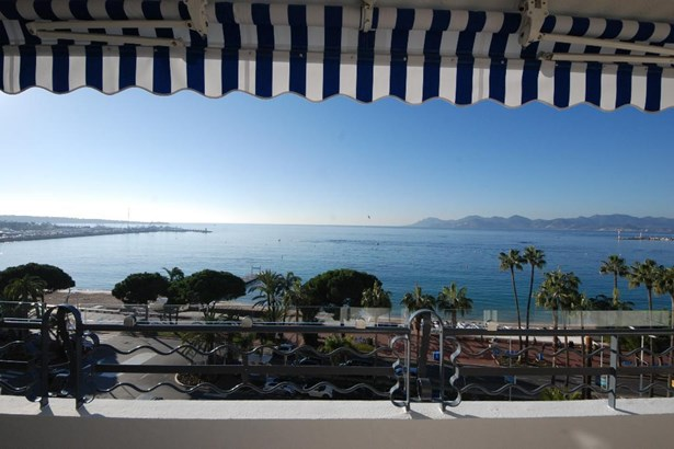 Cannes - FRA (photo 2)
