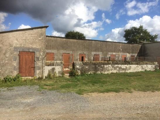 Montmorillon - FRA (photo 4)