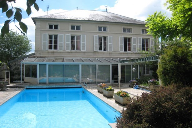 Montbard - FRA (photo 1)