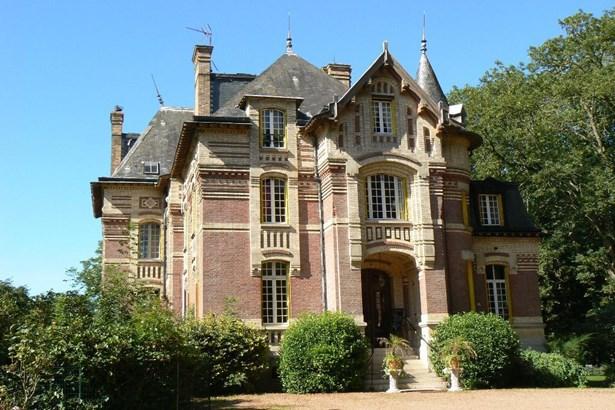 Grandvilliers - FRA (photo 1)
