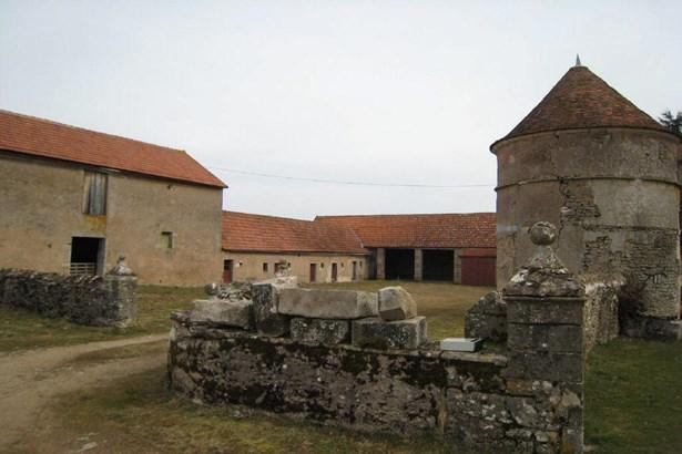 Saulieu - FRA (photo 4)