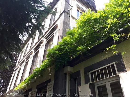 Clermont Ferrand - FRA (photo 2)