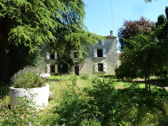 Vouillé - FRA (photo 2)