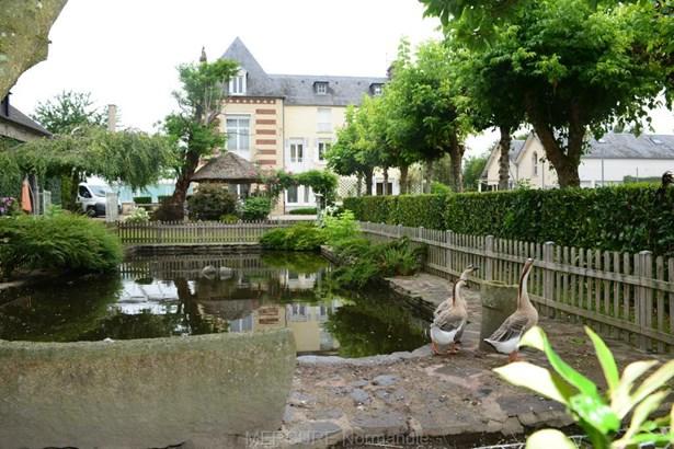 Condé-sur-noireau - FRA (photo 1)