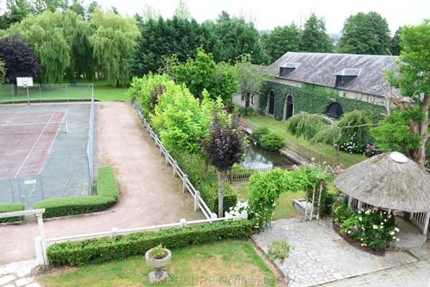 Condé-sur-noireau - FRA (photo 4)