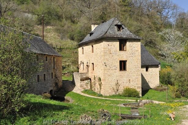Saint-geniez D'olt - FRA (photo 2)