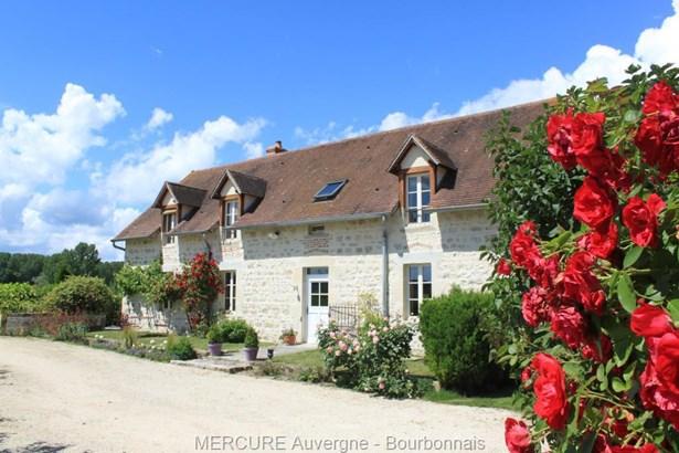 Ebreuil - FRA (photo 3)