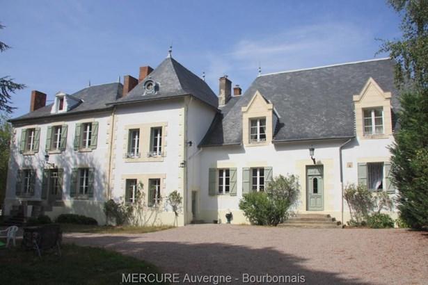Saint Pourçain Sur Sioule - FRA (photo 1)