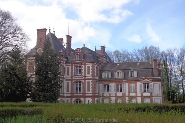 Montreuil Largille - FRA (photo 2)
