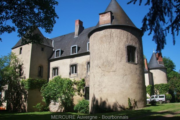 Puy Guillaume - FRA (photo 1)
