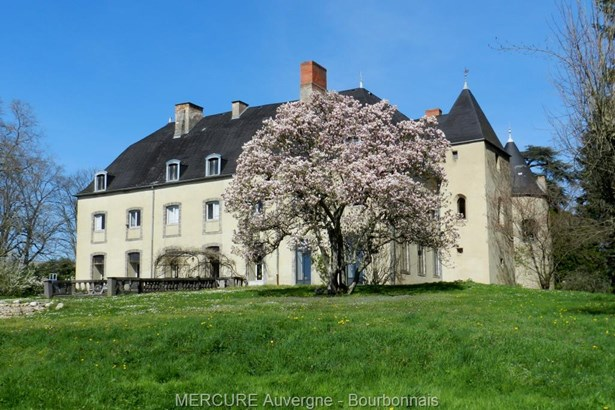 Puy Guillaume - FRA (photo 2)