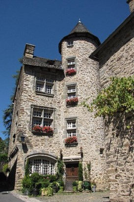 Brive La Gaillarde - FRA (photo 2)
