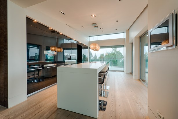 Spacious Penthouse With Incredible Views, Sofia - BGR (photo 1)