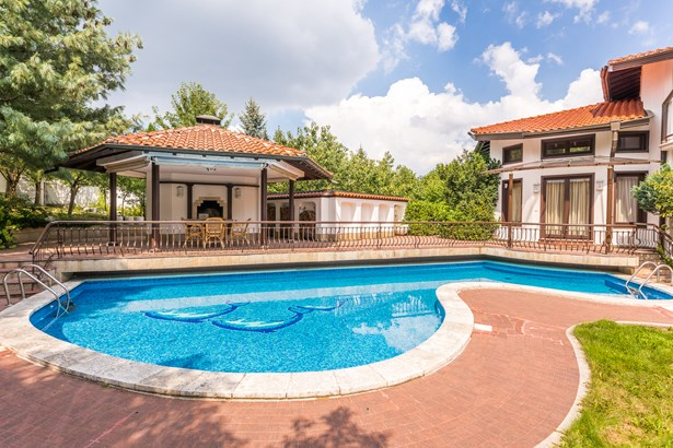 Luxury Furnished House For Sale With A Big Garden, Sofia - BGR (photo 1)