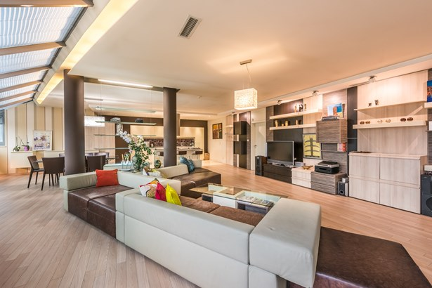 Exclusive Penthouse In The Heart Of The City, Sofia - BGR (photo 1)