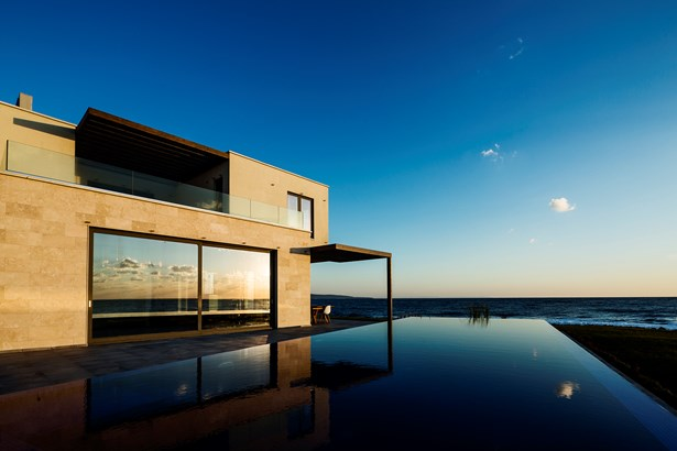 Unique Villa On The Seacoast With An Infinity Pool, Lozenets - BGR (photo 1)