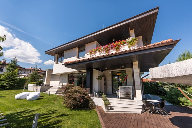 Amazing House For Sale At A Gated Community, Sofia - BGR (photo 1)