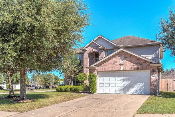 This traditional home is located in Oak Park Trails subdivision which offers pool, tennis courts, playground and splash pad! Great amenities, not to mention easy access to nearby shops and restaurants. (photo 1)