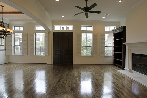 Entry with beautiful wooden double front door. (photo 4)