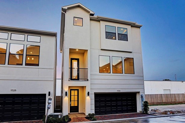 Photo of similar completed home in development -Exquisitely designed 3 bedroom,3.5 bath residencein gated community of Kensington Green by CityChoice Homes.