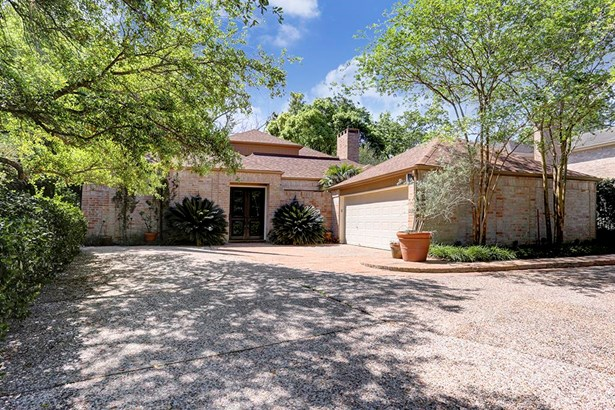 Gracious, very private and livable four-bedroom home in Tanglewood/Indian Trails at The Bayou, this home built in 1972 (photo 1)