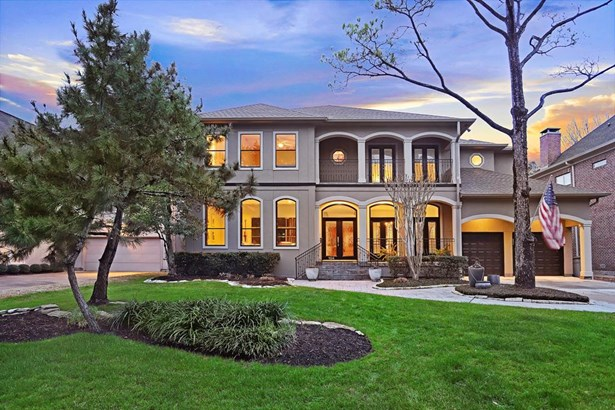 "Beautiful home situated on an 8640 sq. ft. lot (PER HCAD) on the ""ABC streets"" in the heart of Bellaire! (photo 2)"