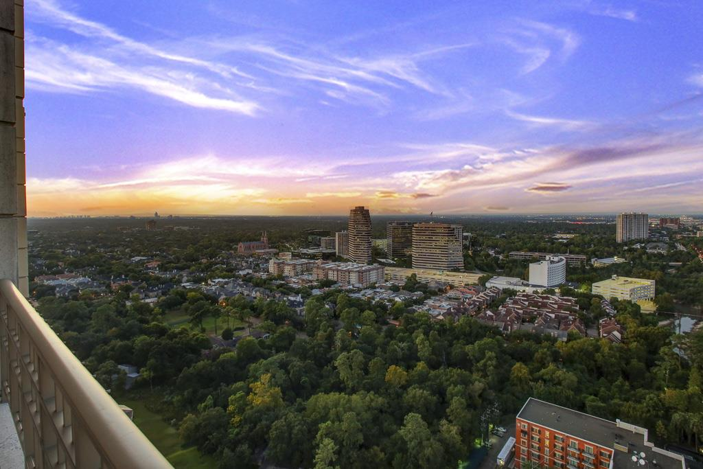 View from the terrace of the elegant Penthouse at the top of The Montebello in Uptown Park, Houston, Texas. (photo 1)