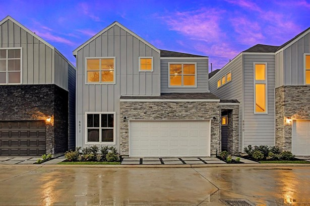 """8809 Hollister Pine Court: features """"The Owen"""" floor-plan in the gated community of Hollister Park by City Choice Homes. 2 level home with clean lines combined traditional styling & a contemporary blend. Photo of a similar completed home in Hollister (photo 1)"""
