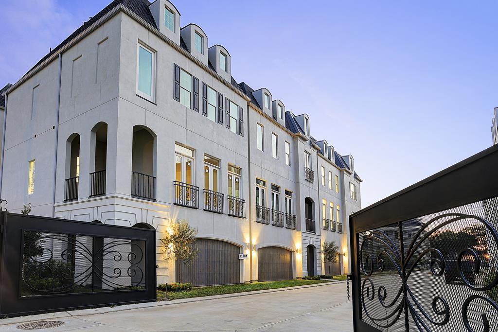 Beautiful custom iron gates welcome you to Sherwood Oak Gardens! (photo 1)