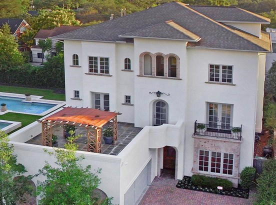 A Rare And Elegant Treasure In The University/museum Area. This 5-6 Bedroom European Style Residence Sits On A Massive Double Lot (16,133 Sf), And Is Available For Sale And Ready For Move In. (photo 1)