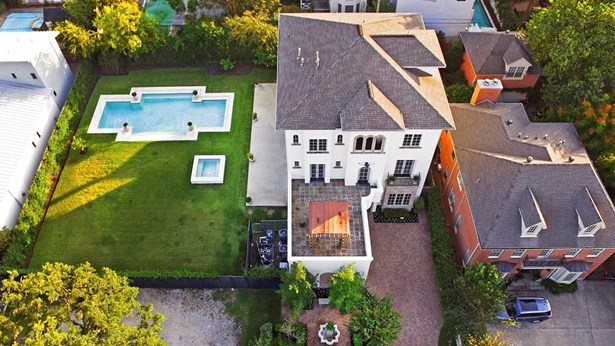 A Bird's Eye View Of The Home. Note The Huge 16,133 Sf Lot And The Stunning Pool And Spa. (photo 3)