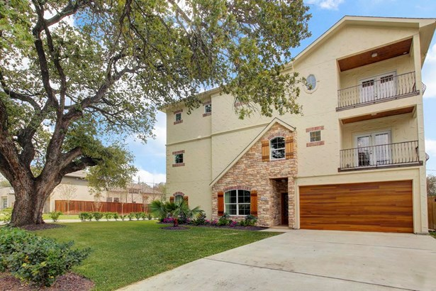 Beautiful Home. Never lived in. Premier Galleria location and minutes to shopping malls, restaurants and all major freeways. (photo 1)