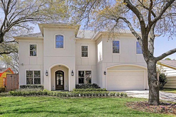 Stunning completed NEW CONSTRUCTION by award winning builder, Tommy Cashiola! 5 bedrooms with a first floor guest room, this home is zoned to Condit Elementary, Pershing Middle and Bellaire High School. (photo 1)