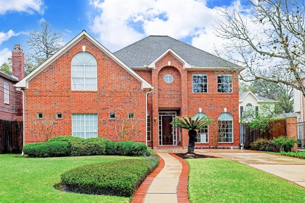 4512 Palmetto Street is a lovely Bellaire home located inside the Loop down the street from wonderful Feld Park (photo 1)