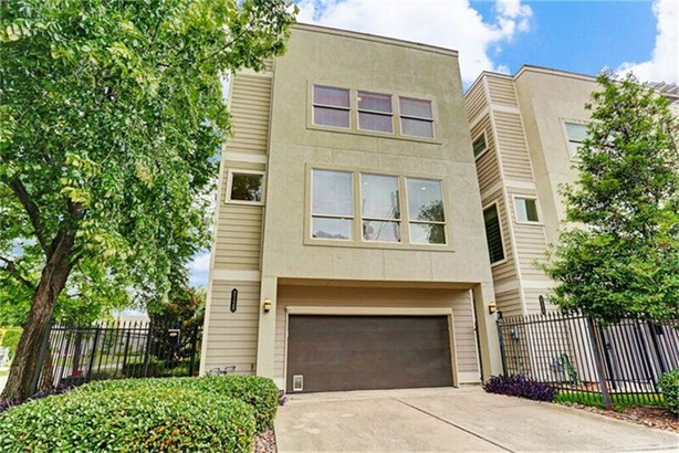 4-story Townhome With Extended Drive-way, Perfect For Your Guest Parking Needs (photo 1)