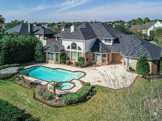 Per Seller home did not Flood from Harvey. Home is available for a quick close. (photo 1)