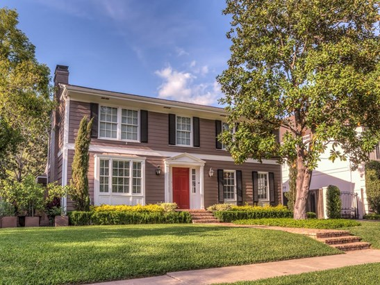 Refined & renovated River Oaks home is located on a beautiful tree-lined street with 5 bedrooms, 4.5 baths, formals and wonderful pool & entertaining deck! (photo 1)