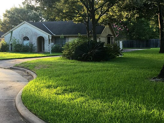 Build your dream home on this great oversized cul de sac 3,449 sf lot in desirable Spring Valley. (photo 1)