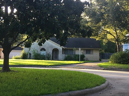Great opportunity to build a custom home. (photo 2)