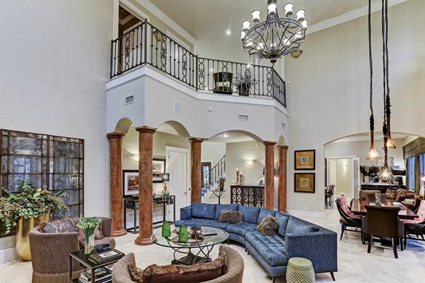 Alternate view of the enormous formal living area with plenty of extra space to utilize for dining. (photo 4)