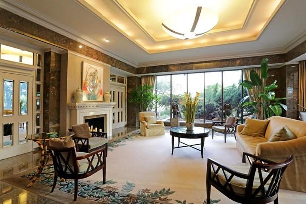 A gracious Lobby awaits you. (photo 2)